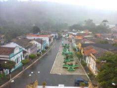 Pilões é um município brasileiro no estado da Paraíba localizado na Mesorregião do Agreste Paraibano, microrregião do Brejo Paraibano, unidade geoambiental do Planalto da Borborema. De acordo com o IBGE (Instituto Brasileiro de Geografia e Estatística), no ano de 2006 sua população era estimada em 7.731 habitantes, e agora de acordo com censo de 2010 sua população está estimada em 6.978 habitantes. Possui área de 64,4 km². O relevo geralmente movimentado, com vales profundos e estreitos ...