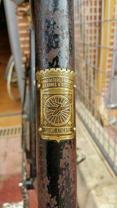 Saint Etienne... Antique Bicycles, Saint Etienne, Bike Brands, Bike Style, Headset, Badge, Cycling, Tube, France