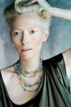 Love her style - Tilda Swinton Tilda Swinton, Portraits, Pomellato, Love Her Style, Diamond Are A Girls Best Friend, Fashion Pictures, Youtubers, Style Icons, Beautiful People