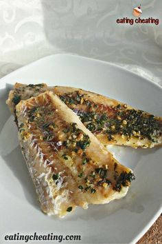 Who doesn't love nice baked fish in the oven combined with delicious potatoes and salad? Here you can see how easy is to prepare hake fish fillet in the oven. Delicious hake fish full of vita… Recipe For Hake Fish, Hake Recipe Healthy, Baked Hake Recipes, Easy Fish Recipes, Oven Recipes, Seafood Recipes, Cooking Recipes, Roast Fish, Recipes