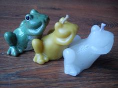 From porcelain frog to the candle