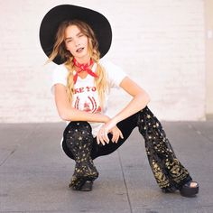 @officiallyquigley in the magic bells lucky tee and red Boheme bandanna get this whole look on dazeyla.com #dazeyla #artapparel