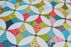 I finished my Flowering Snowball quilt this week! You may remember that I started hand quilting...