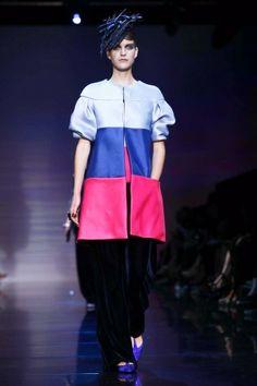 Giorgio Armani Privé Couture via http://nowfashion.com
