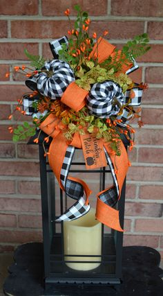Fall Lanterns, Lanterns Decor, Lantern Crafts, Easy Fall Wreaths, Thanksgiving Decorations, Fall Decorations, Diy Décoration, Fall Pumpkins, Fall Crafts