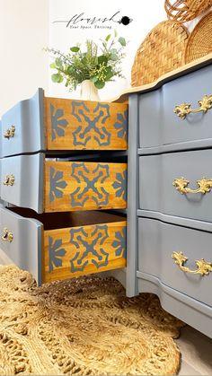 Refinish Wood Furniture, Diy Furniture Renovation, Painted Bedroom Furniture, Diy Furniture Projects, Refurbished Furniture, Upcycled Furniture, Furniture Makeover, Furniture Design, Flip Furniture
