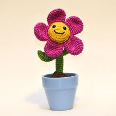 crochet Tulip flower amigurumi plant by mstoosh on Etsy, $36.00