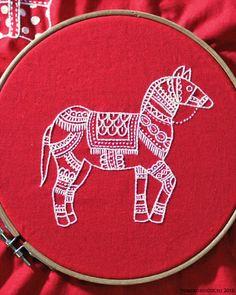 Christmas Horse Yumiko Higuchi- wonderful embroidery artist