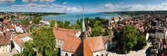 Konstanz -  Heute ist sie eine lebendige Universitätsstadt mit vielen Kultur- und Freizeitangeboten für Besucher jeden Alters. Die Kulturstadt hat ihre lange Tradition als Stadt des Handels und der Kultur bis in die heutige Zeit bewahren und viele neue Aspekte hinzufügen können. Konstanz zeichnet sich im Besonderen durch die vielen historisch-bedeutsamen Gebäude aus. Das Stadttheater ist die mit 400 Jahren älteste dauerhaft bespielte Bühne Deutschlands.