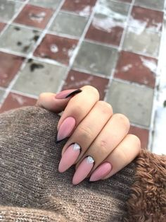 Semi-permanent varnish, false nails, patches: which manicure to choose? - My Nails Dream Nails, Love Nails, Pink Nails, Pretty Nails, My Nails, Almond Shape Nails, Almond Nails, Shellac Nails, Nail Manicure
