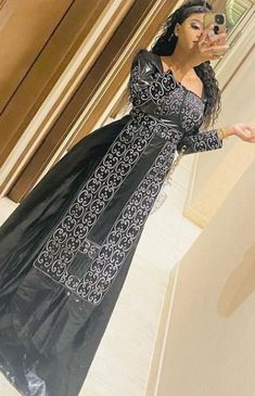 African Outfits, Dresses With Sleeves, Long Sleeve, Fashion, Long Dresses, African Dress, Outfit, Fashion Styles, Moda