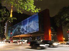 Museu de Arte de São Paulo -  MASP by Lina Bo Bardi (Projeção no MASP ©Daniel Ayub/FFW)