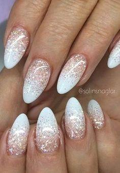 10 Fabulous Ombre Nail Art Designs: # Rosa para Branco com Top Coat Glitter - Design de Unhas Prom Nails, Fun Nails, Acrylic Nail Designs, Nail Art Designs, Nails Design, Nails Kylie Jenner, Manicure Gel, Light Pink Nails, Nail Lacquer