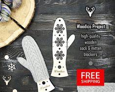 High-quality wooden sock blockers and mitten de WoodicoProjectShop Socks, Projects, Log Projects, Hosiery, Stockings, Sock