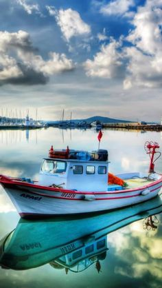 Boats On Marina #iPhone #5s #wallpaper