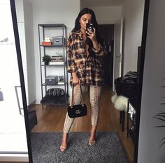 Loooong hair and lace up leggings Mode Outfits, Fall Outfits, Casual Outfits, Fashion Outfits, Womens Fashion, Fashion Trends, Formal Outfits, Fashion 2017, Fashion Killa