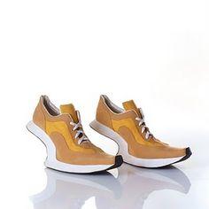 Running in heels?  - Kobi Levi http://kobilevidesign.blogspot.com/