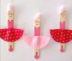 petits-jouets-danseuses-fabriquées-à-partir-de-moules-à-muffins-tutus-et-batonnets-de-glace-cheveux-rose-en-laine-idée-activite-manuelle-pour-enfants-filles
