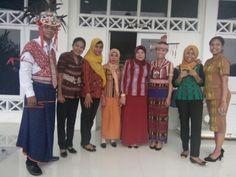 Model Baju Tenun Alor