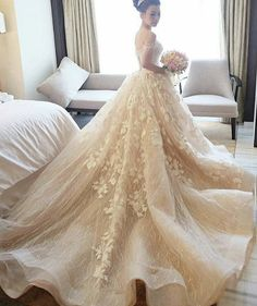 Luxury wedding gown, very Vera Wang. Enjoy RUSHWORLD boards, WEDDING GOWN HOUND, UNPREDICTABLE WOMEN HAUTE COUTURE and LULU'S FUNHOUSE. Follow RUSHWORLD! We're on the hunt for everything you'll love! #WeddingGownHound #LuxuryWeddingGown #WeddingGown