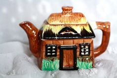 Vintage Cottage-ware Teapot