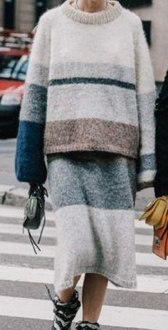 Sweater And Shorts, Knit Fashion, Crochet Clothes, Lounge Wear, Casual Wear, Hand Knitting, Knitwear, Knit Crochet, Women Wear