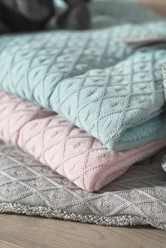 #boxkleed quilts Diamond knit by Jollein http://www.babyuitzetonline.nl/jollein-collecties/-JOLLEIN-DIAMOND-KNIT