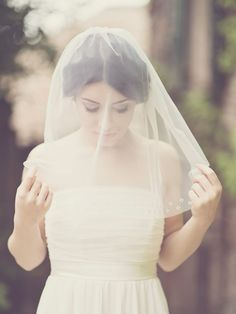 A New Collection of Beautiful Veils and Bridal Hair Adornments from Elibre Handmade
