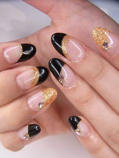 http://static.becomegorgeous.com/img/arts/2012/May/03/7651/nail_art_glam.jpg
