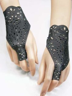 Fashionable Trendy Collection of Gloves for Ladies | Trendy Mods.Com