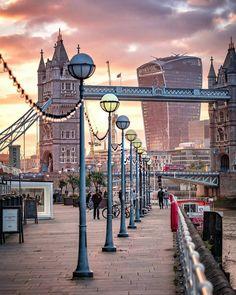 12.9 тыс. отметок «Нравится», 73 комментариев — London (@thelondonlifeinc) в Instagram: «Sunset by the river ❤ by @levanterman for #thelondonlifeinc ✌»
