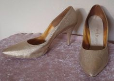 Vintage 50's gold fabric . Shoes from my collection