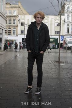Men's street style, dark green tones paired with a black jacket - an ideal autumn look | The Idle Man