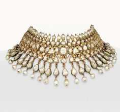 A DIAMOND AND PEARL INDIAN CHOKER NECKLACE