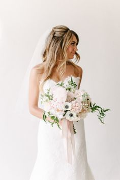 Stunning bride: http://www.stylemepretty.com/2015/03/24/romantic-pastel-santa-barbara-wedding/ | Photography: Melanie Duerkopp - http://melanieduerkopp.com/