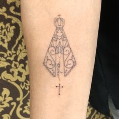 56 Delicate Women's Tattoo Ideas Our Lady For 2019 Tattoo Designs For Women, Tattoos For Women Small, Small Tattoos, Time Tattoos, Hand Tattoos, Sleeve Tattoos, Trendy Tattoos, Tattoos For Guys, Cool Tattoos