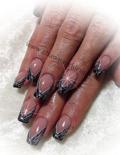 black simple nail ar t