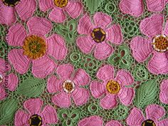Irish crochet purple daisies on a green background Freeform Crochet, Irish Crochet, Free Crochet, Knit Crochet, Crochet Motif Patterns, Crochet Stitches, Crochet Leaves, Crochet Flowers, Crochet Fairy