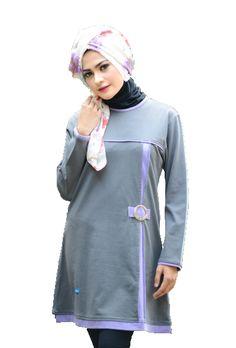 Blouse Kaos Alnita Aa04  Blouse Kaos Alnita Aa04 adalah blouse dengan design yang terkesan formal namun santai. Dengan warna yang lembut yaitu abu-abu yang dipadukan dengan warna lavender pada bagian tepi dan garis-garis variasi pada blouse. memberikan kesan yang manis lembut dan gaya.Blouse Kaos Alnita Aa04 adalah blouse yang terbuat dari bahan kaos dengan material Cotton Viscose Combed yang sangat cocok bagi perempuan yang tinggal di iklim tropis seperti Indonesia. Karena bahan ini…