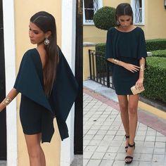 María Turiel con nuestro vestido de capa con la espalda descubierta.❤️❤️❤️http://primoronline.pswebshop.com/es/