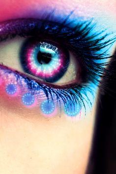 Eye art - lovely blue and pink Violet Eyes, Pink Eyes, Blue Eyes, Pretty Eyes, Cool Eyes, Color Splash Photo, Eyes Artwork, Rainbow Eyes, Aesthetic Eyes