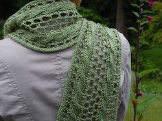 Free Pattern: Reversible Eyelet Cable Scarf