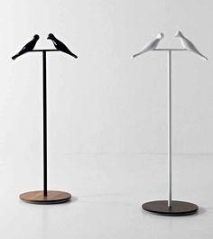 Flai - Servomuto Alfred | Design: Pierpaolo Zanchin | Collezione: Mystère | Materiali: Metallo e noce | #design #animal
