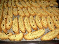 Biscotti type greek rusks made with olive oil. Greek Sweets, Greek Desserts, Greek Recipes, My Recipes, Vegan Recipes, Cooking Recipes, Favorite Recipes, Recipies, Biscotti Cookies