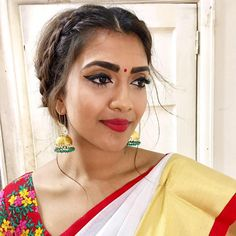 The Various Looks That Keep Killing People With Elegance And Boldness Saree Hairstyles, Indian Hairstyles, Vithya Hair And Makeup, Makeup Looks, Wedding Guest Makeup, Bridal Makeup, Traditional Hairstyle, Front Braids, Wedding Guest Hairstyles