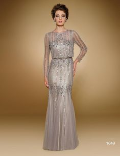 Gorgeous Vestido Madrina 2017 Long Sleeves Decoration Sparkle The something old signifies the bond for . dresses dresses bautizo dresses for wedding dresses quinceanera dresses vestidos proposal ideas de boda madrina dresses Mother Of The Bride Dresses Long, Mother Of Bride Outfits, Mothers Dresses, Mother Bride, Mob Dresses, Bridesmaid Dresses, Wedding Dresses, Peplum Dresses, Dresses 2016