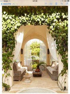 10 stunning outdoor areas for al fresco living for Innenarchitektur kurse