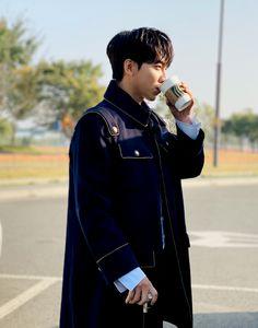 Lee Seung Gi, Siwon, Celebs, Celebrities, Prince Charming, Bts Photo, Korean Actors, Cute Boys, Handsome