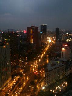 Mi ciudad. Reforma, la noche se acerca.