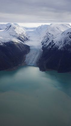 Jéghideg arany | Flickr - Photo Sharing! Aerial shot of snow capped mountains in Greenland.